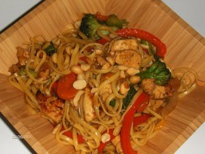 Jin and Sun's chicken and noodle stir-fry